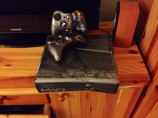 Microsoft Xbox 360 Call of Duty Modern Warfare 3 Limited Edition